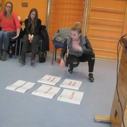 Die päd. Fachkräfte stellen den Ablaufprozess für die 1. Hilfemaßnahmen zusammen.